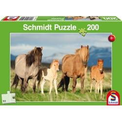 Puzzle Schmidt: Familie de cai, 200 piese